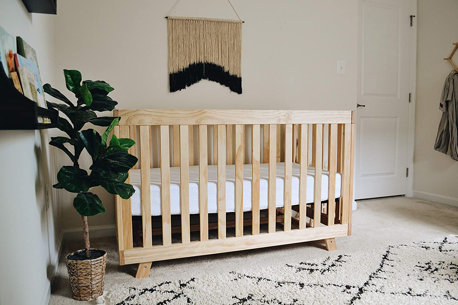 14 Organic And Natural Convertible Cribs For Your Modern Nursery