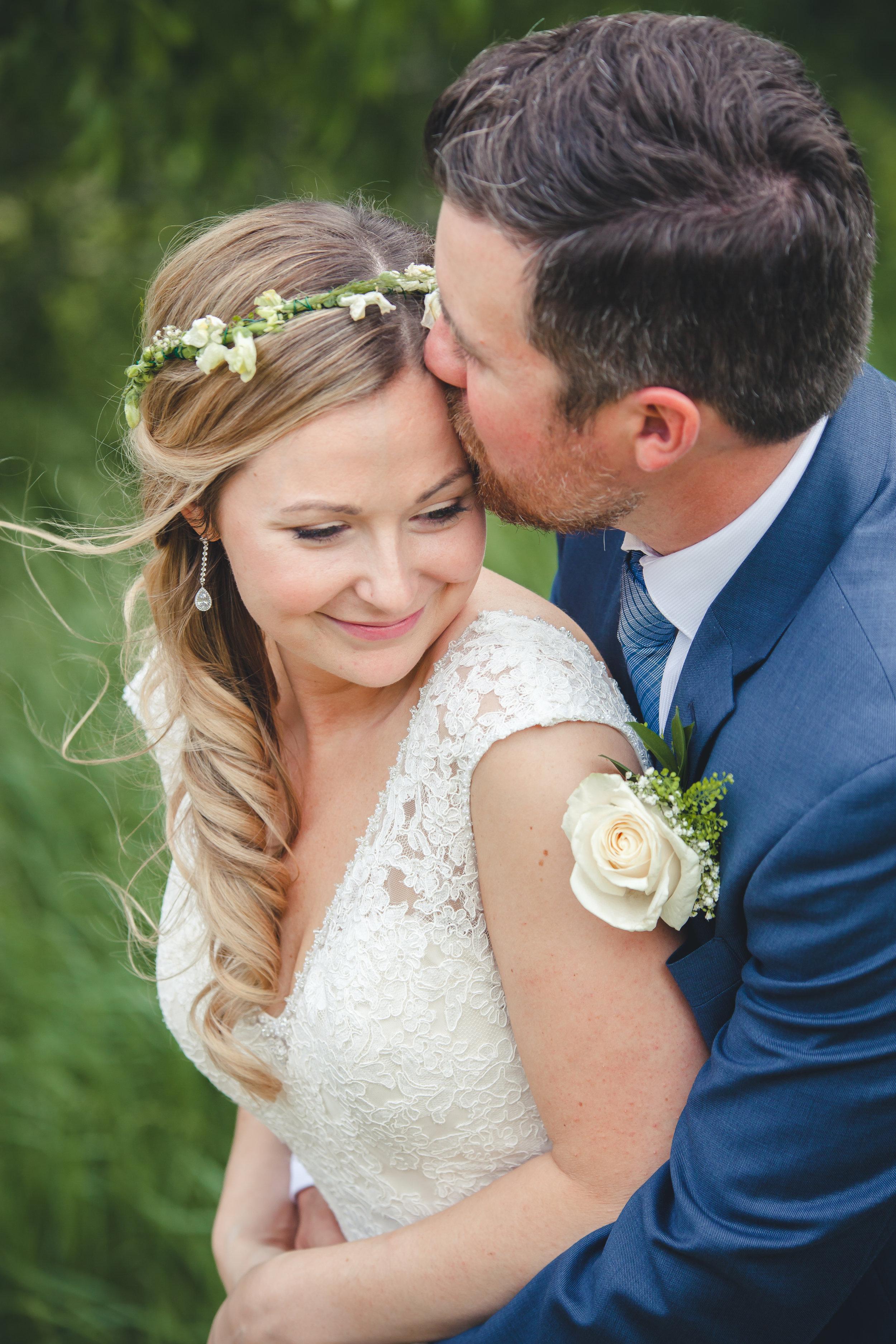 Amy D Photography Barrie and Muskoka Wedding Photography Barrie Country Club_-44.jpg