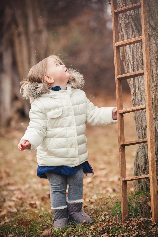 Amy D Photography- Christmas Family Photos- Holiday Family Photo- Outdoor Christmas Photos- Country Christmas - Amy D Photography- Outdoor Christmas Family Photos