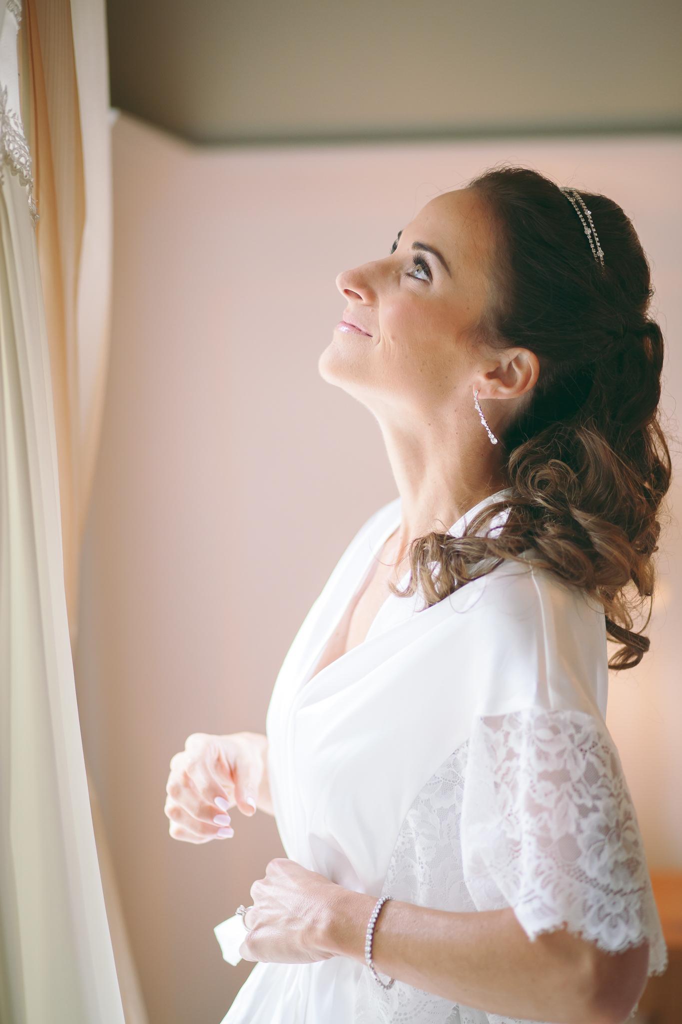Amy D Photography- Barrie Wedding Photography- Bride Getting Ready- Muskoka Wedding Photography- Best Wedding Photographers (122 of 130).jpg