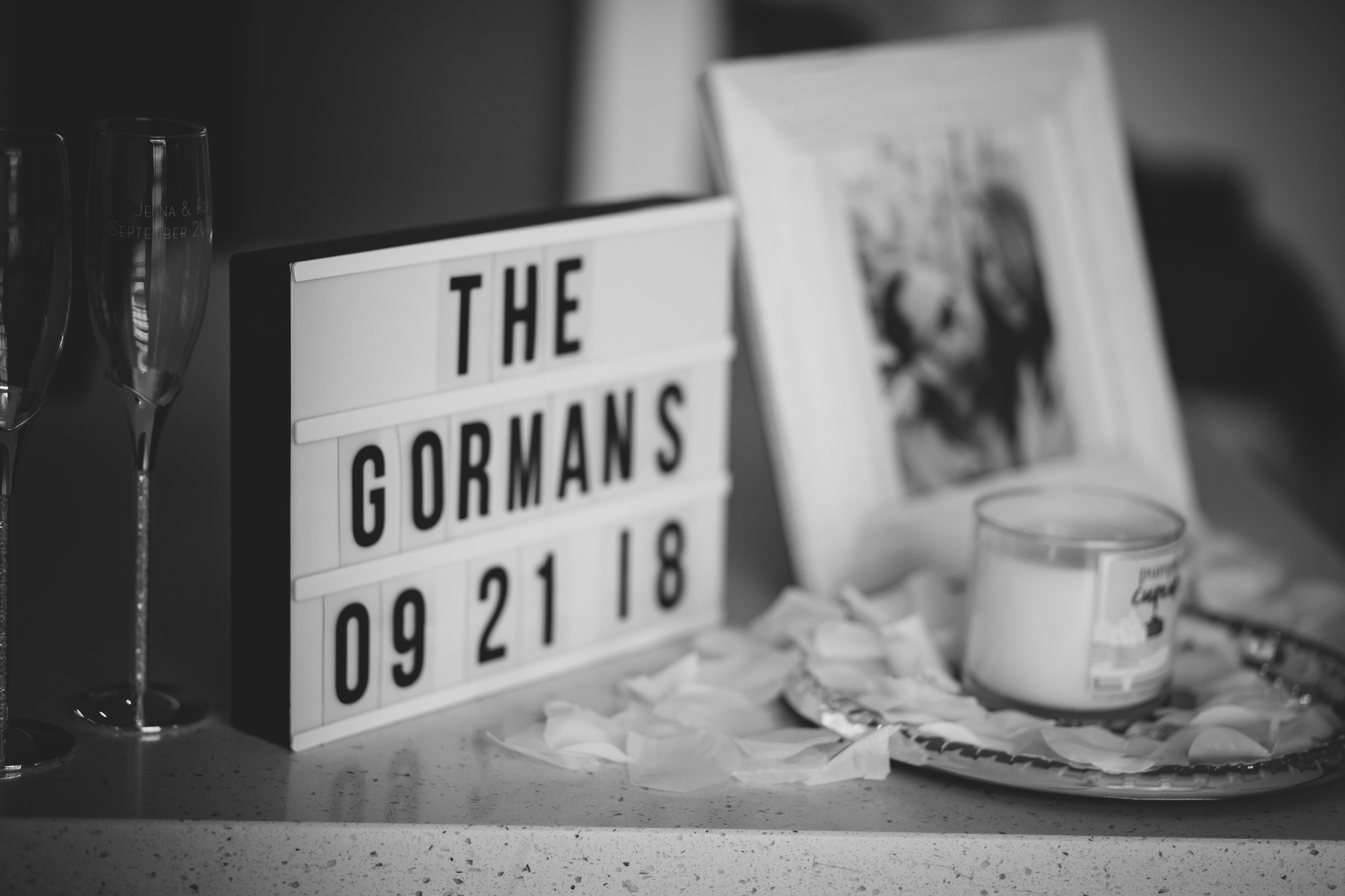 Amy D Photography- Barrie Wedding Photography- Bride Getting Ready- Muskoka Wedding Photography- Best Wedding Photographers (60 of 130).jpg