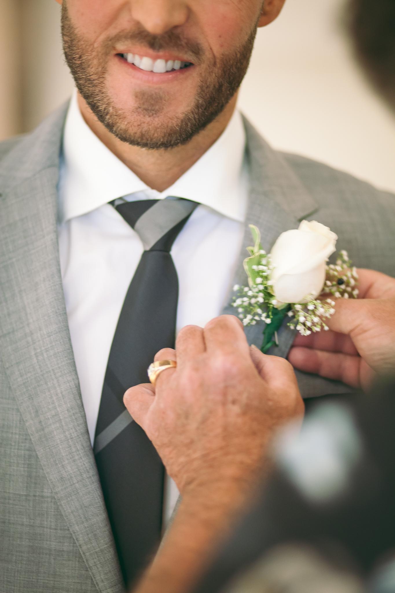 Amy D Photography- Barrie Wedding Photography- Bride Getting Ready- Muskoka Wedding Photography- Best Wedding Photographers (30 of 130).jpg