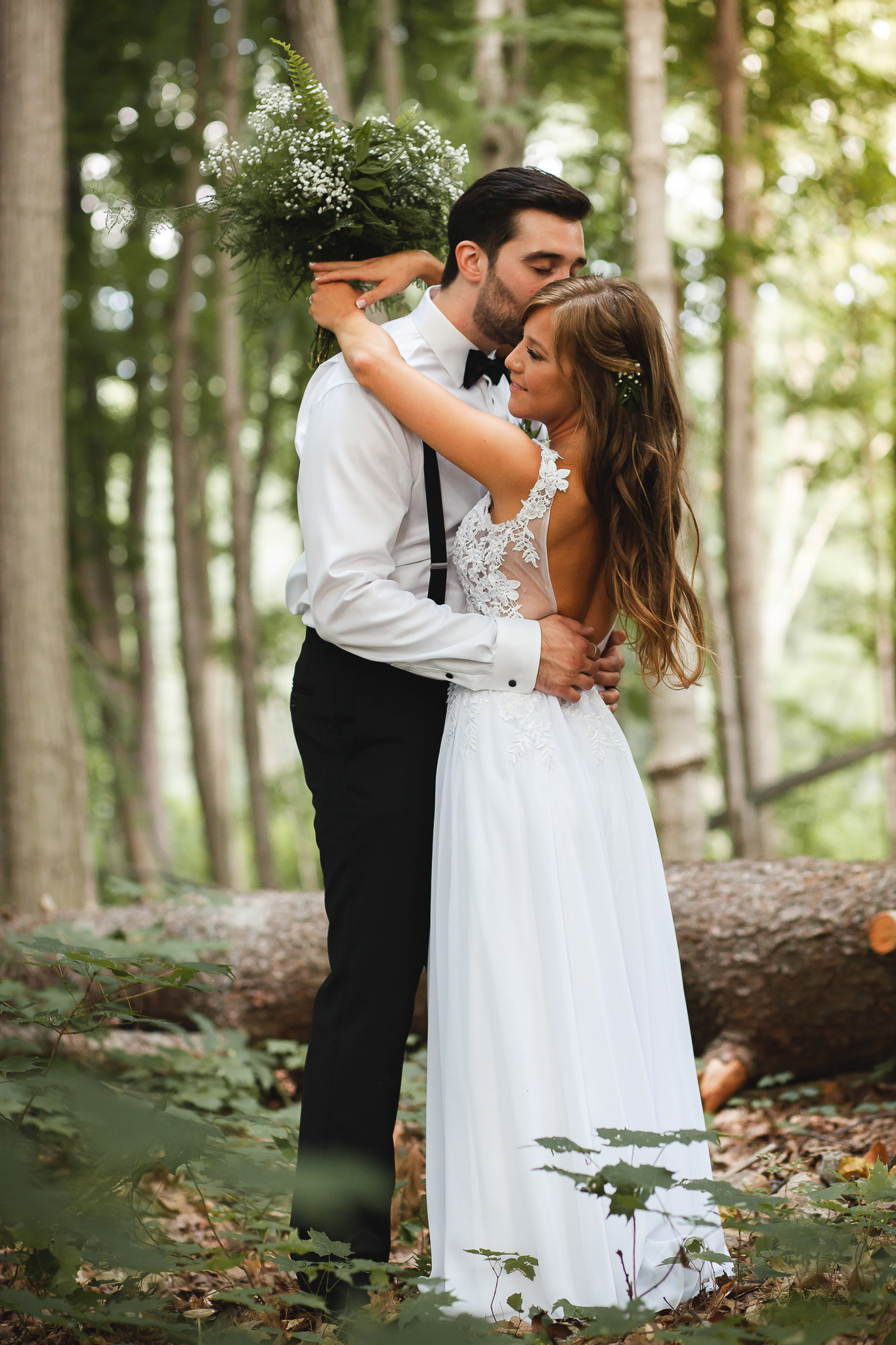 Amy D Photography- Bride and Groom- Wedding Poses- Muskoka Wedding- Barrie Wedding Photographer- Best Wedding Photographer- Muskoka Wedding Photography- Bride Pose- Groom Pose-53.jpg