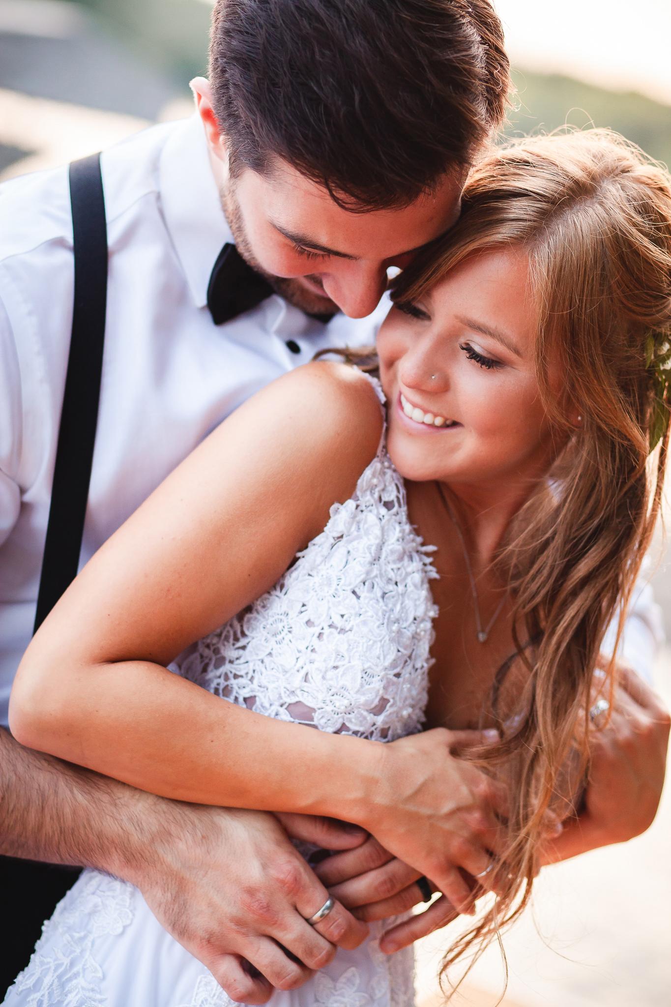 Amy+D+Photography-+Bride+and+Groom-+Wedding+Poses-+Muskoka+Wedding-+Barrie+Wedding+Photographer-+Best+Wedding+Photographer-+Muskoka+Wedding+Photography-+Bride+Pose-+Groom+Pose-89.jpg