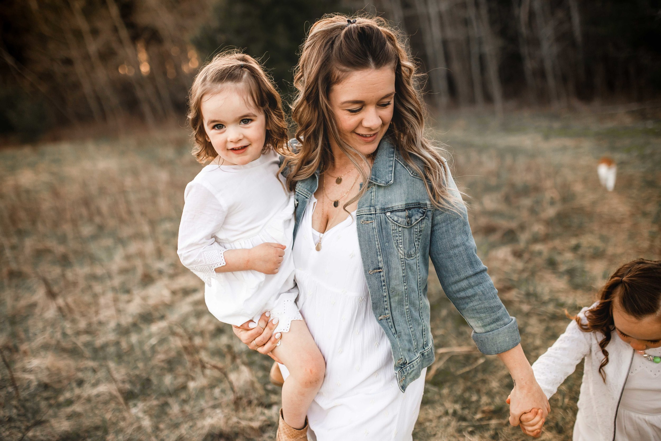 Amy-D-Photography--Family-Photography--Mom-and-Daughter-Session--Mothers-Day-Session--Mom-Photos--Family-Photos--Mom-and-Children-Session--Golden-Hour-Session-94.jpg