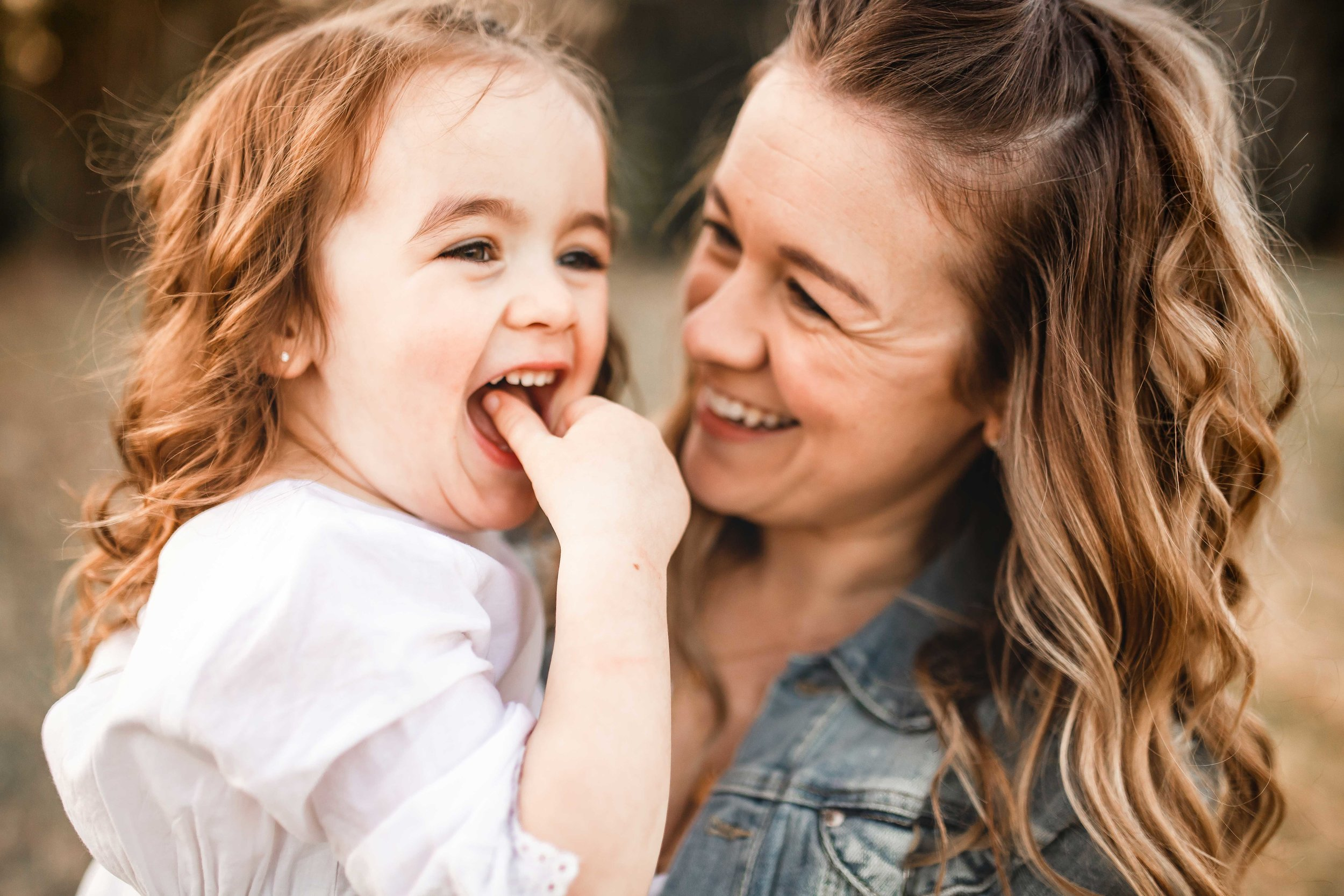 Amy-D-Photography--Family-Photography--Mom-and-Daughter-Session--Mothers-Day-Session--Mom-Photos--Family-Photos--Mom-and-Children-Session--Golden-Hour-Session-110.jpg