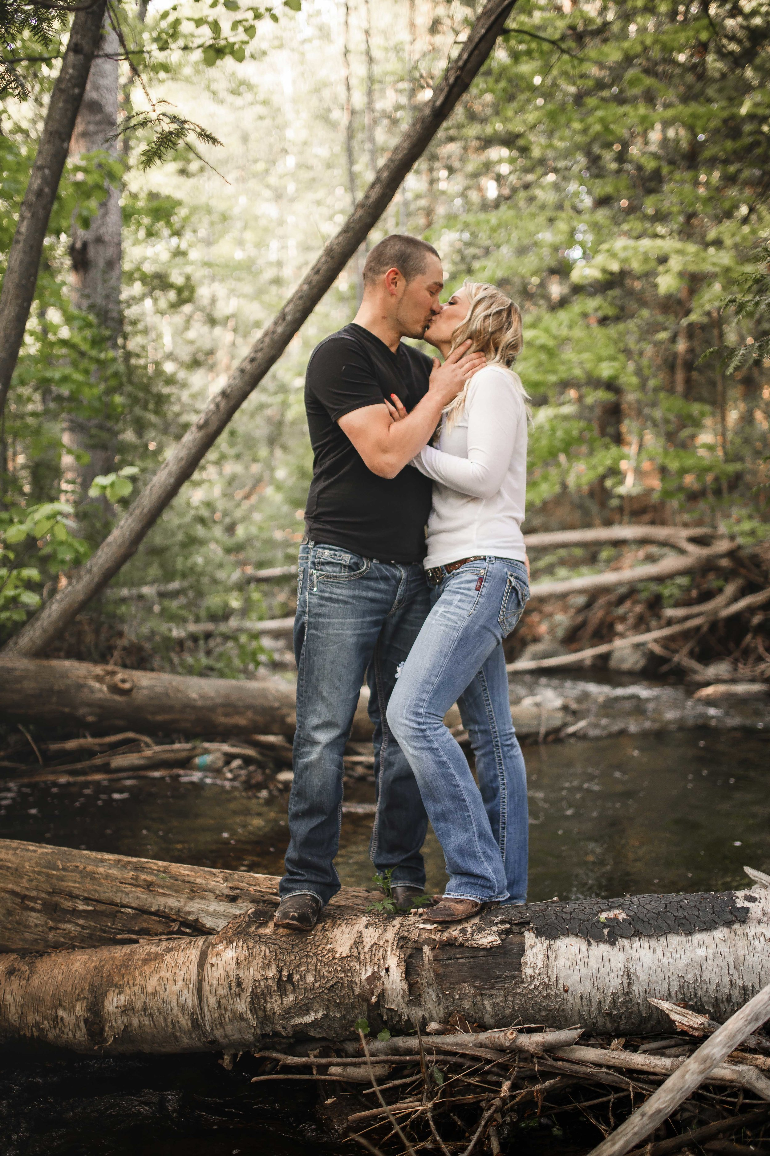 Amy-D-Photography--Wedding-Photography--Barrie-Wedding-Photography--Engagement-Session---Engagement-Pose-59.jpg