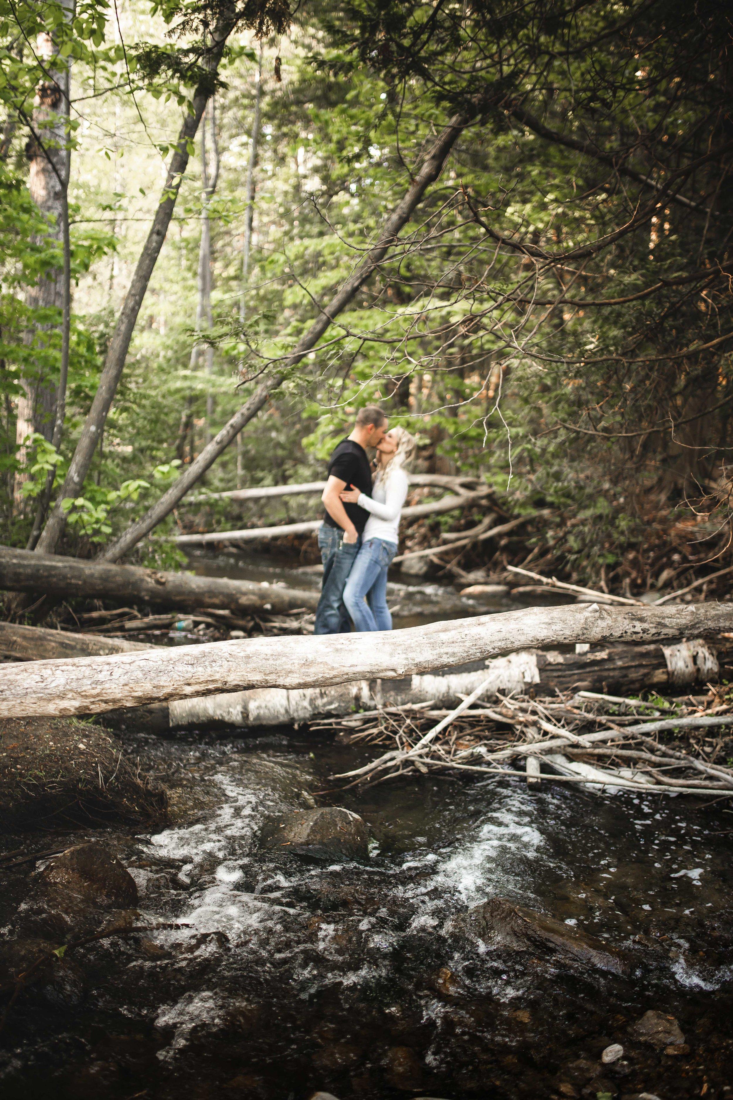 Amy-D-Photography--Wedding-Photography--Barrie-Wedding-Photography--Engagement-Session---Engagement-Pose-60.jpg
