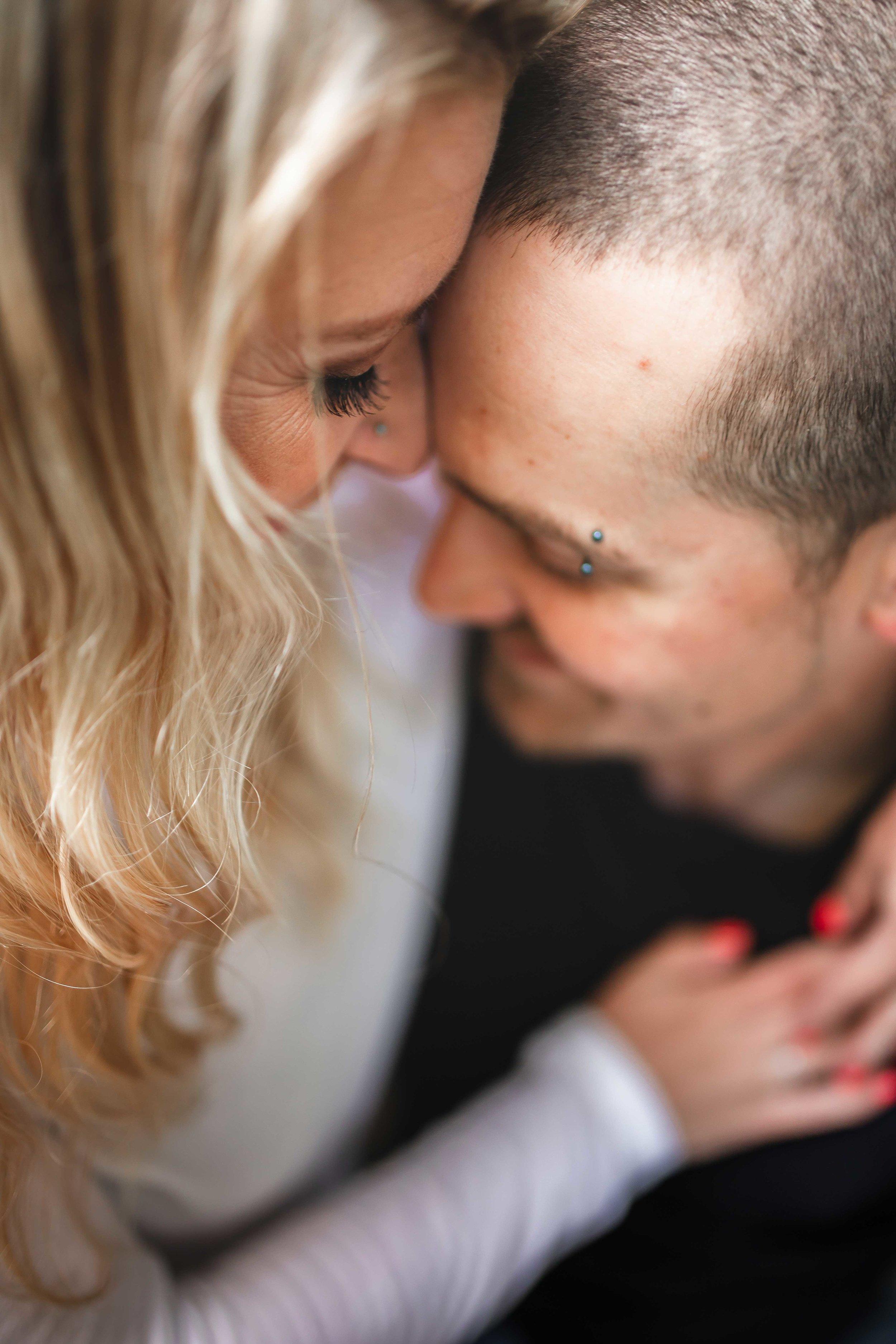 Amy-D-Photography--Wedding-Photography--Barrie-Wedding-Photography--Engagement-Session---Engagement-Pose-95.jpg