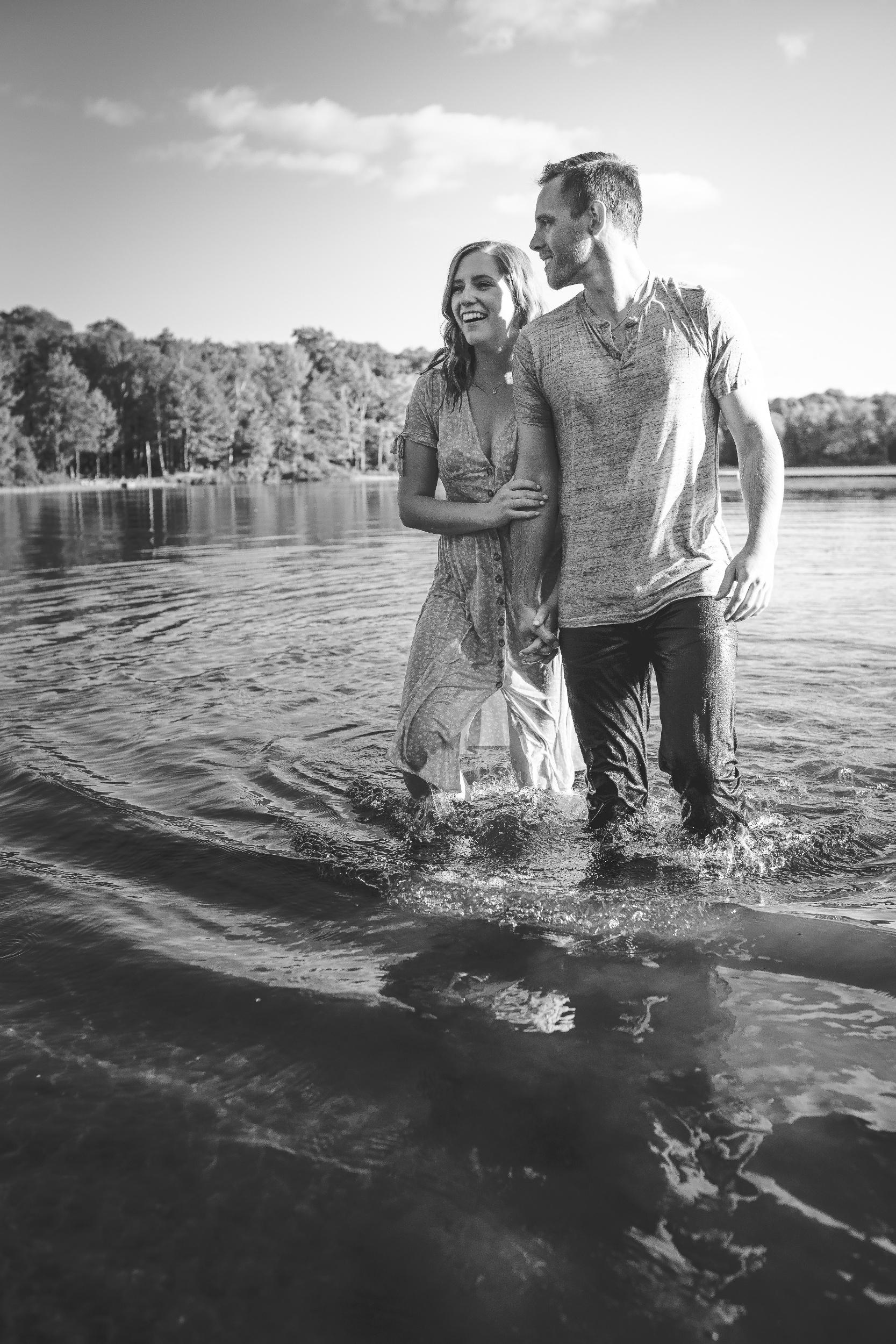 processed_Amy D Photography- Barrie Wedding Photographer-Cottage Engagement- Engagement Pose- Muskoka Wedding Photographer-113.jpg