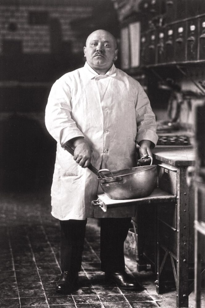 August Sander,  Pastrycook  (1923)