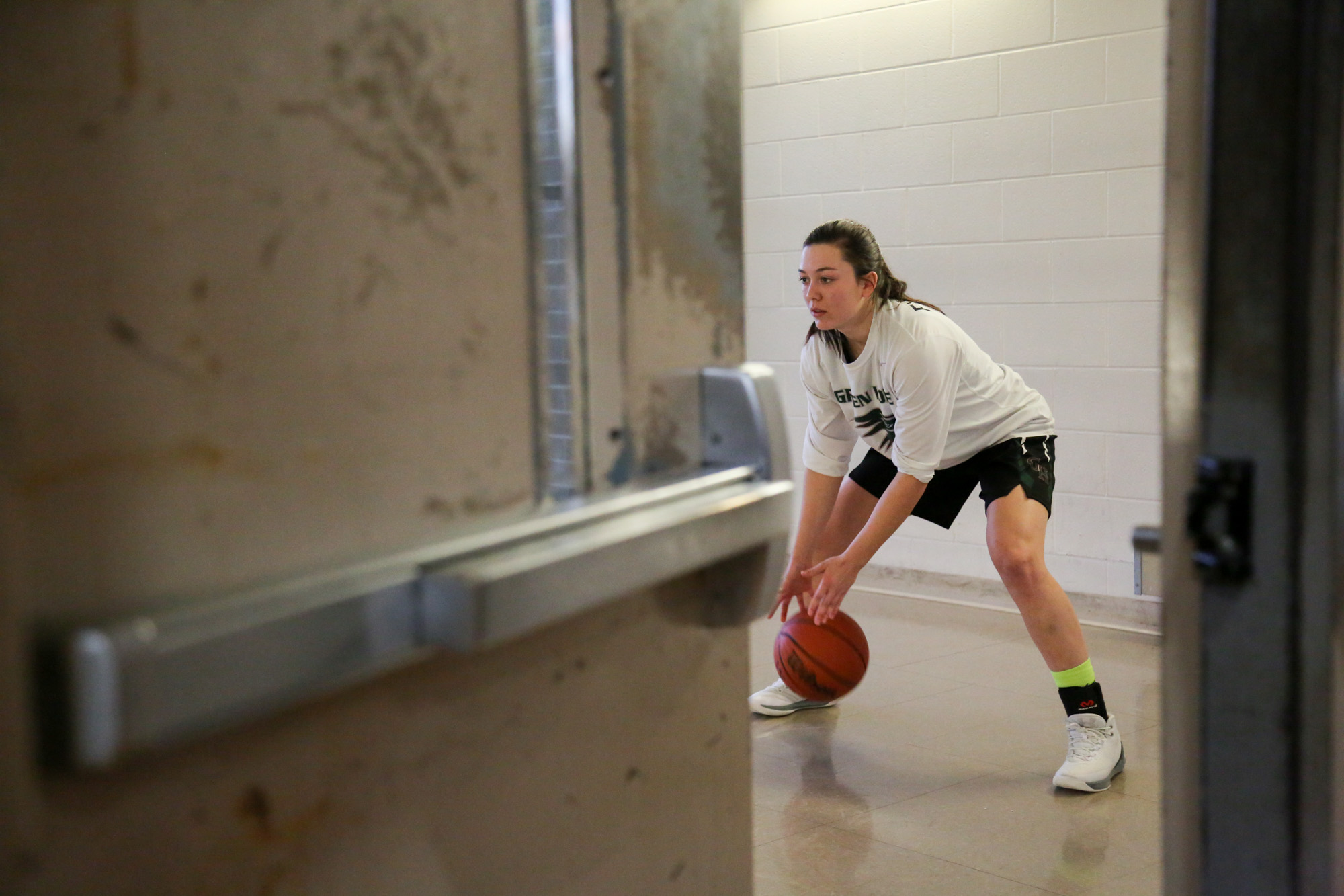 Kelly Fitzgerald practices a lot outside the gym before going for the real game on Feb.10, 2017.