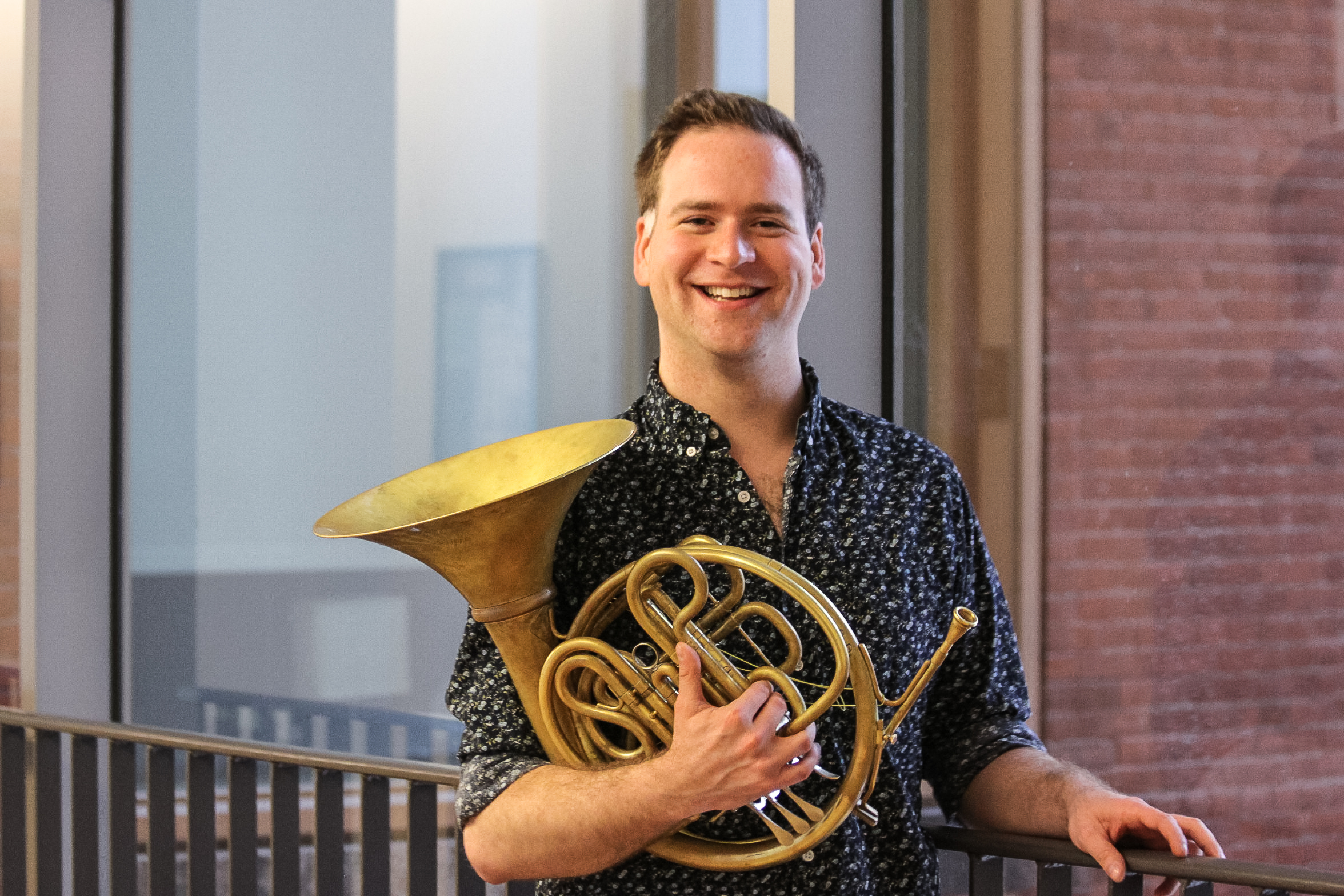Josh Thompson, horn