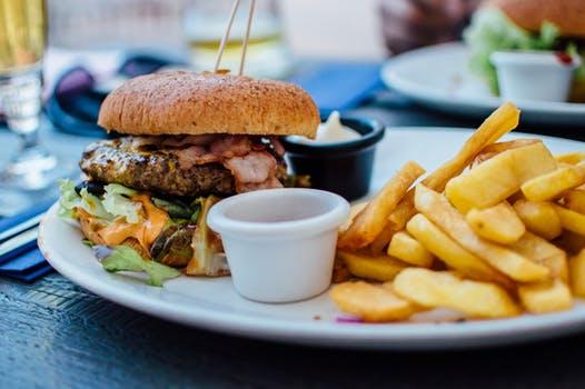 hamburger-french-fries