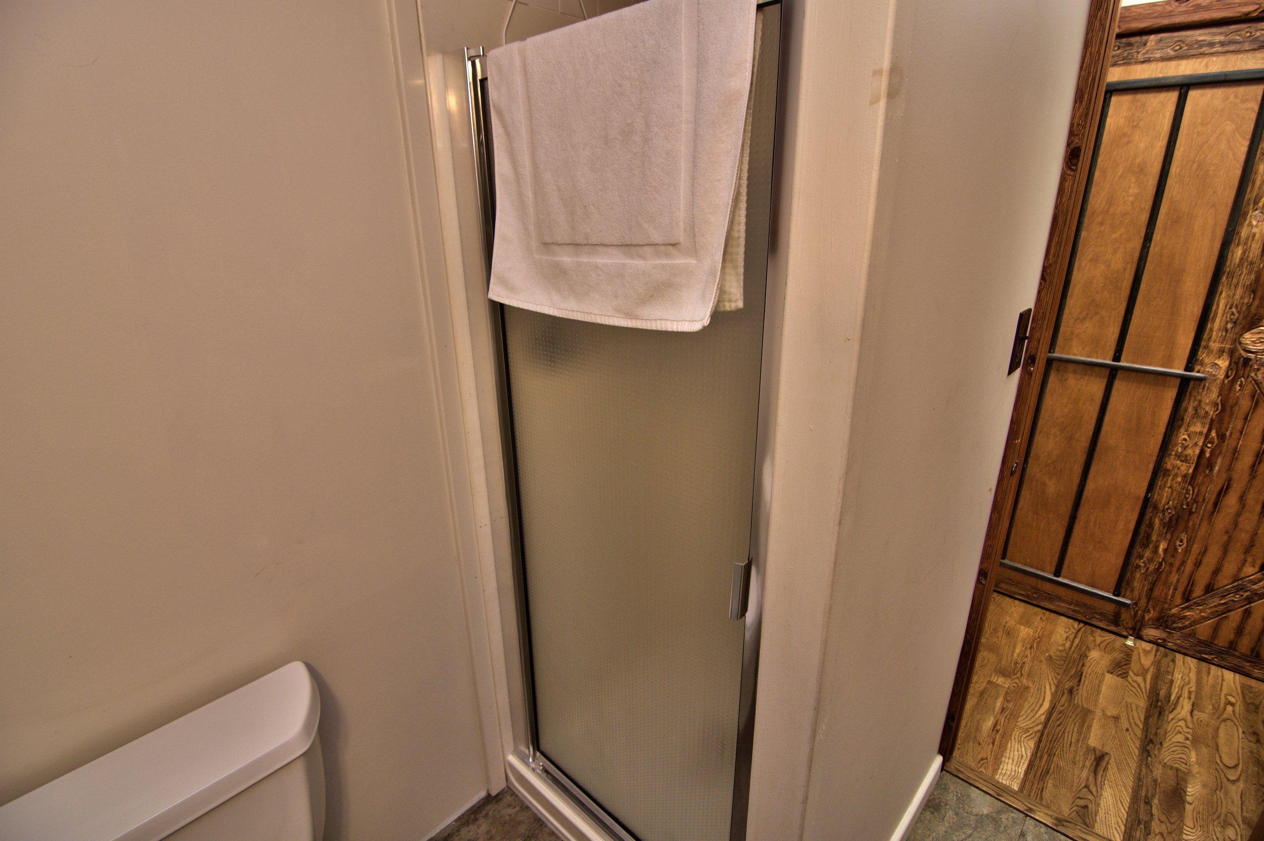 1st Floor Bath View 2.jpg