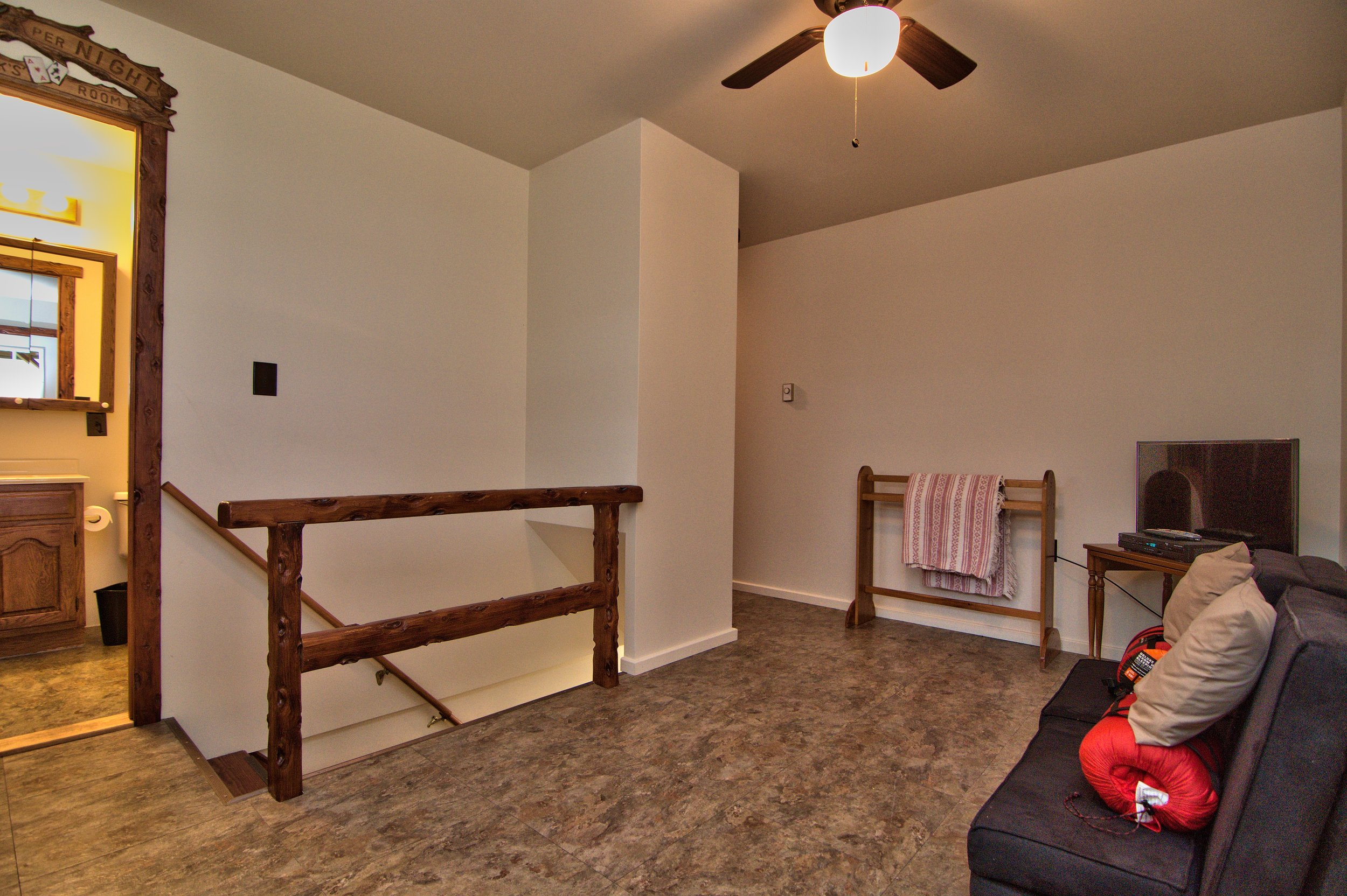 2nd Floor Hall View 01.jpg