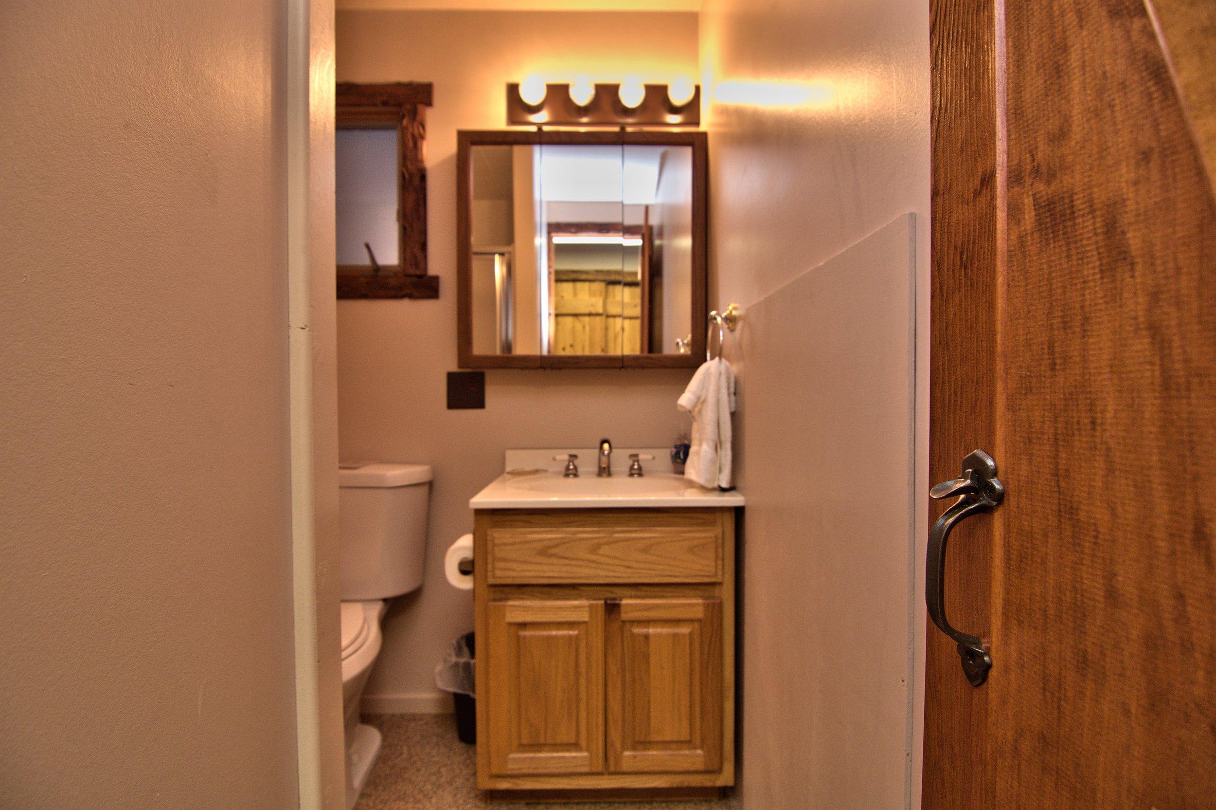 1st Floor Bath View 1.jpg
