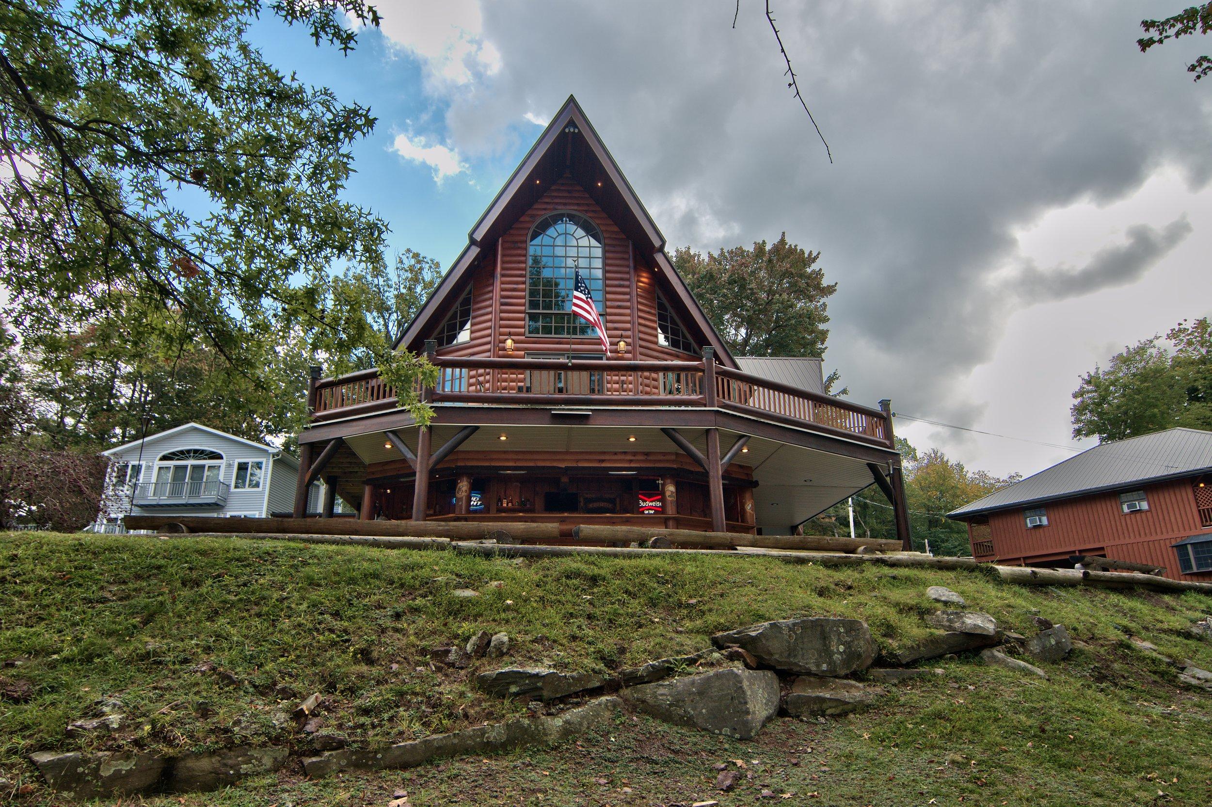 Exterior View 10.jpg