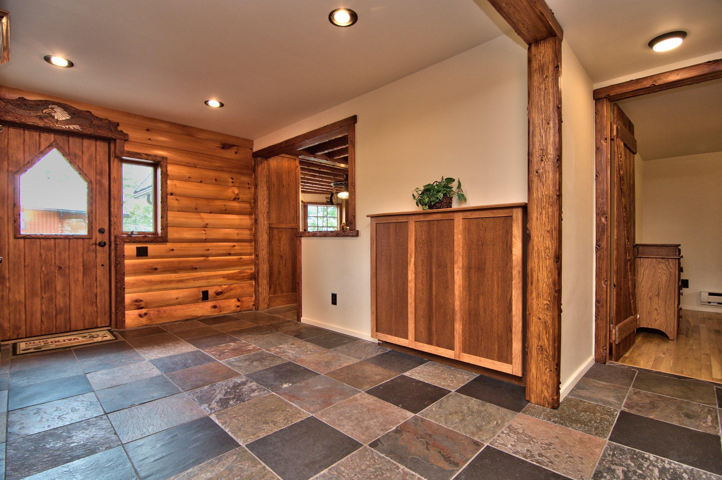 Foyer View 2.jpg