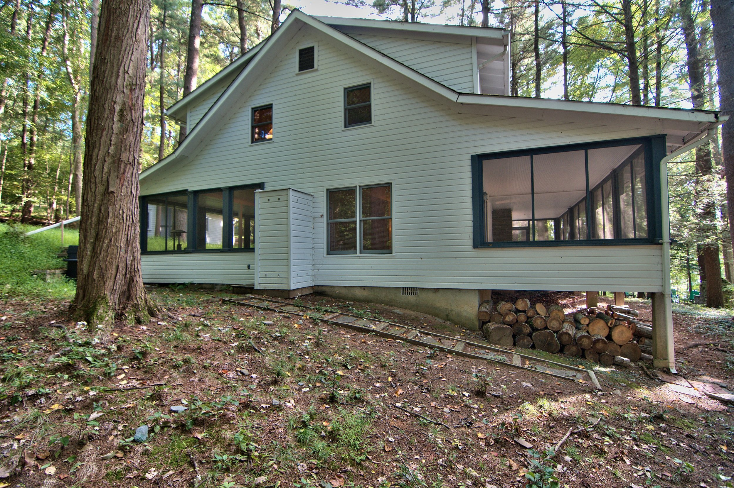 Exterior View 06.jpg