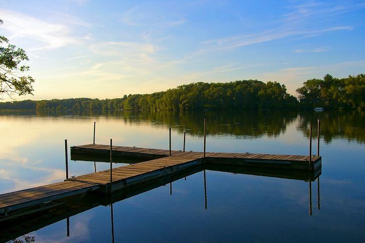 dock-on-beeds-lake-4153215__480.jpg