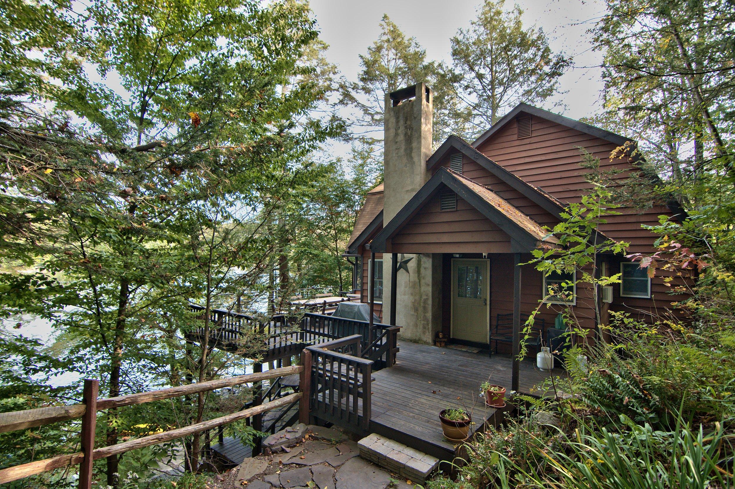 michael's big woods  4 bedrooms, 2 bathrooms
