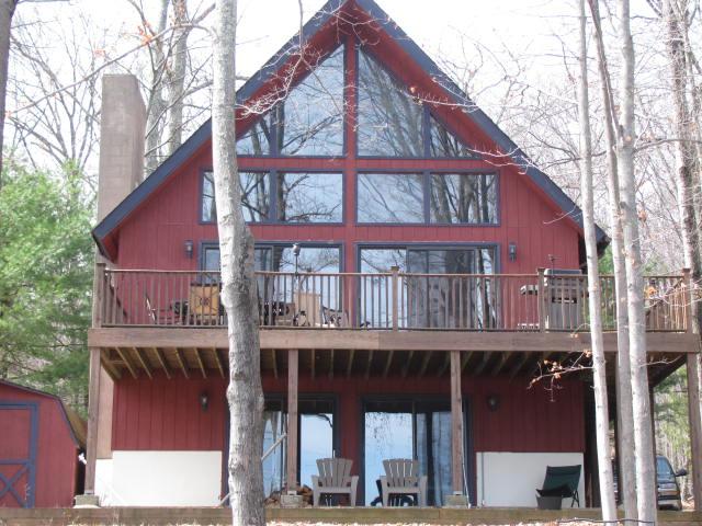 russtic lake wallenpaupack home  4 bedrooms, 3 bathrooms