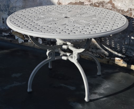 Soriano 4 seater round table