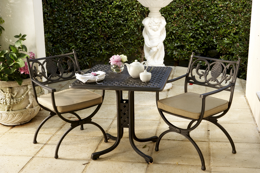 Olympus 2 seater table with Vienne carvers