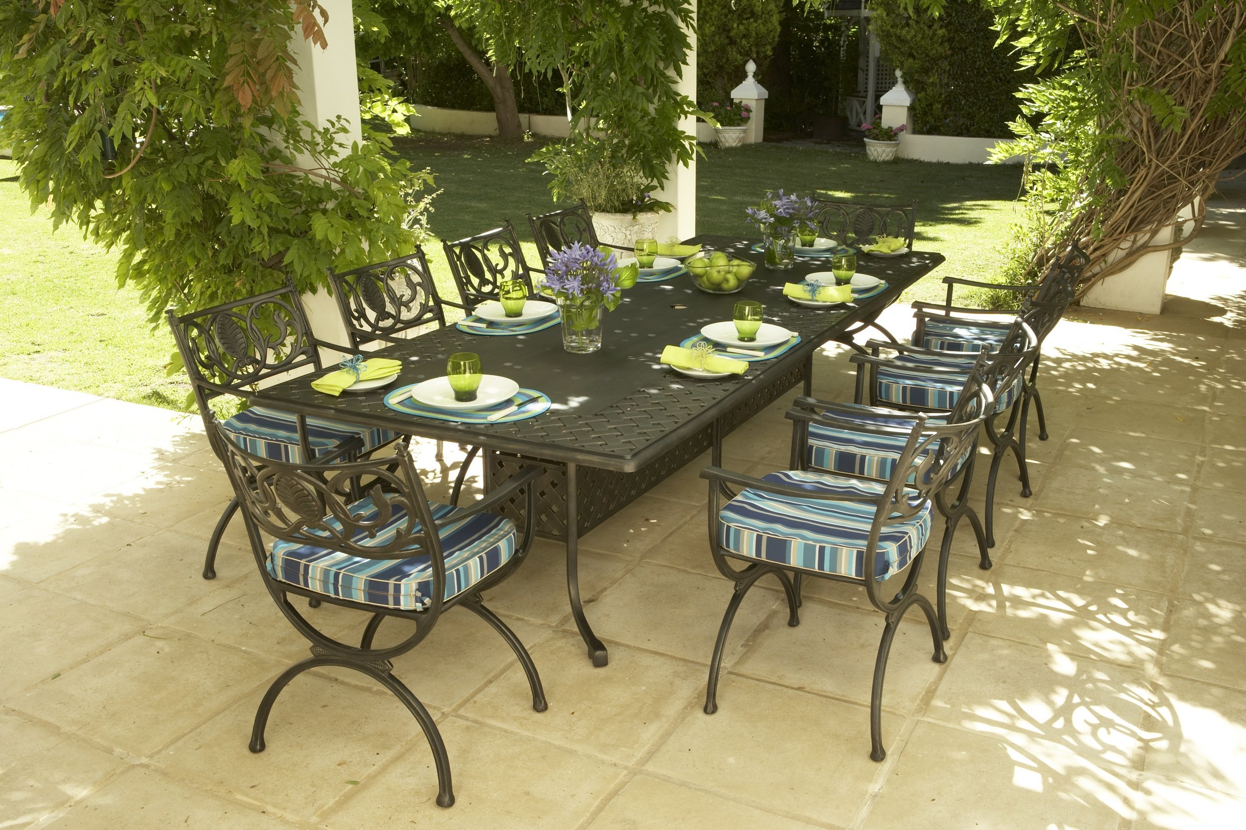 Verona 10 seater table with box base leg design and Vienne carvers