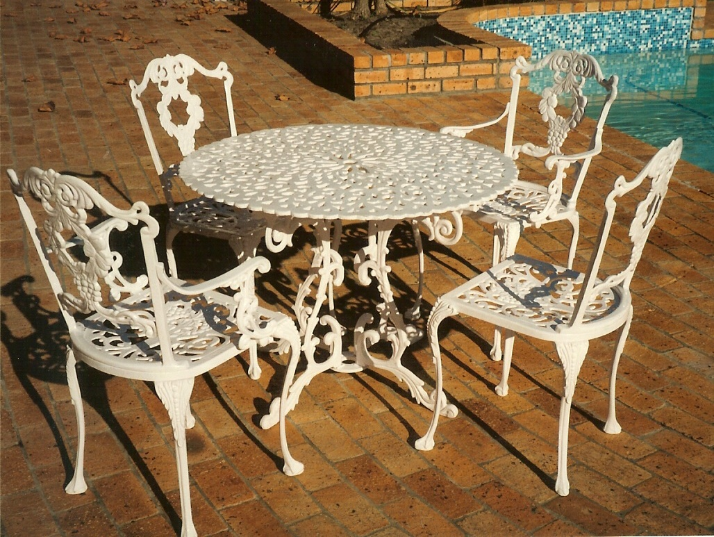 St Tropez 4 seater table with Laurel diner and Laurel carver chairs