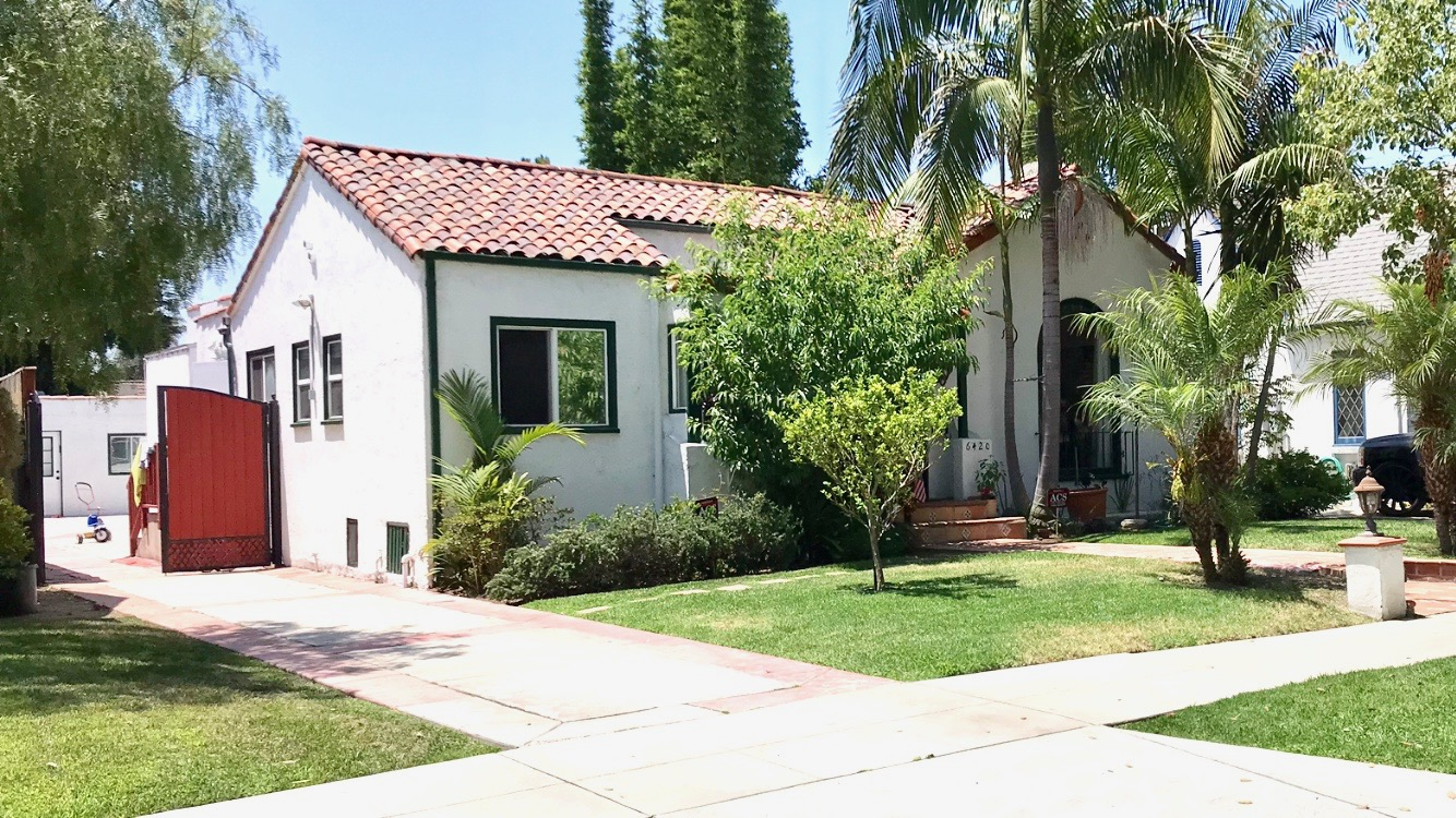 6420 Moore Dr Los Angeles 90048 - 3 Bed | 3 Ba |main house w Detached guest suite 1 bed | 1 bath |Pool & spa. For lease $7950 / monthBeautiful Carthay Circle HPOZ home. Updated Spanish home with high ceilings, wood floors, skylight, large patio and yard surround sparkling pool and spa. Detached guest suite with bathroom and kitchen.More info and photos