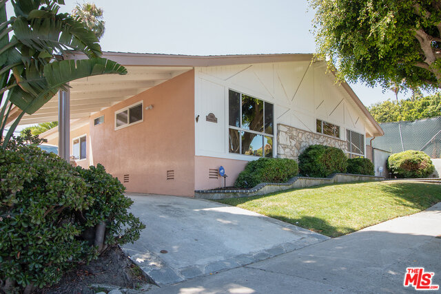5946 Wrightcrest Dr Culver City 90232 - 4 Bedroom | 2 bath | 1967 sqft | 6766 sqft lot                SOLD FOR $1,531,000 on 9/19/2019Mid Century home located in Culver City's Blair Hills neighborhood. Just under 2,000 sf of living space on good size lot. Living room has pitched beam ceiling with skylights, sliding door to side yard and patio, fireplace and city views. Open floor plan leads to dining or family room area also with skylight and open to the kitchen. Wonderful upgraded kitchen with built in range, ovens, and dishwasher. All stainless appliances. Tons of cabinet space and plenty of counter space. Recessed lights and laundry hookups right off the kitchen. Front facing master bedroom has large picture window with north facing city views..great nighttime vista. Completely private back yard with large covered patio and detached garage behind gated entry. Super-large closets in all the bedrooms. Central AC. Farragut Elementary School! Just around the corner from Culver City's Blair Hills Park and the Stoneview Nature Center. And just minutes from Kenneth Hahn State Recreation AreaMore Info and Photos