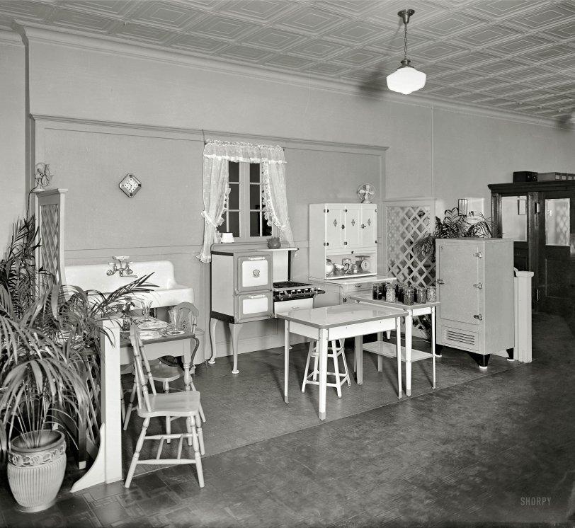 Model Kitchen 1920