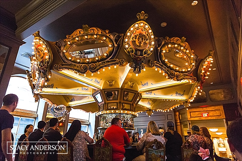 This stunning hotel also featured a carousel bar - it even rotated and everything!