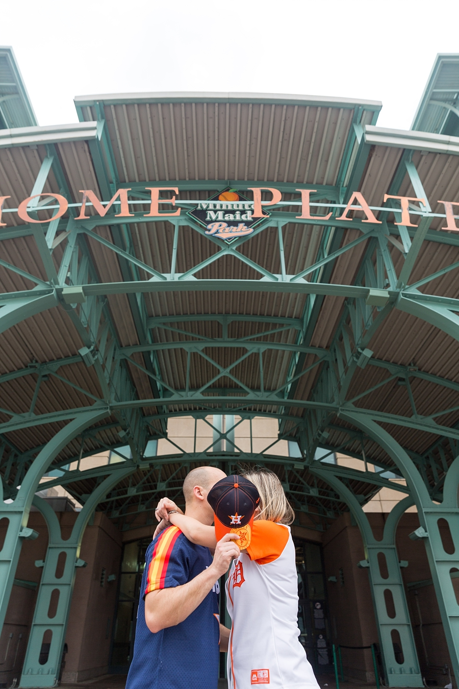 Stacy-Anderson-Photography-Houston-Astros-Baseball-engagement-photo_0031.jpg