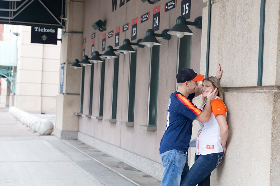 Stacy-Anderson-Photography-Houston-Astros-Baseball-engagement-photo_0032.jpg