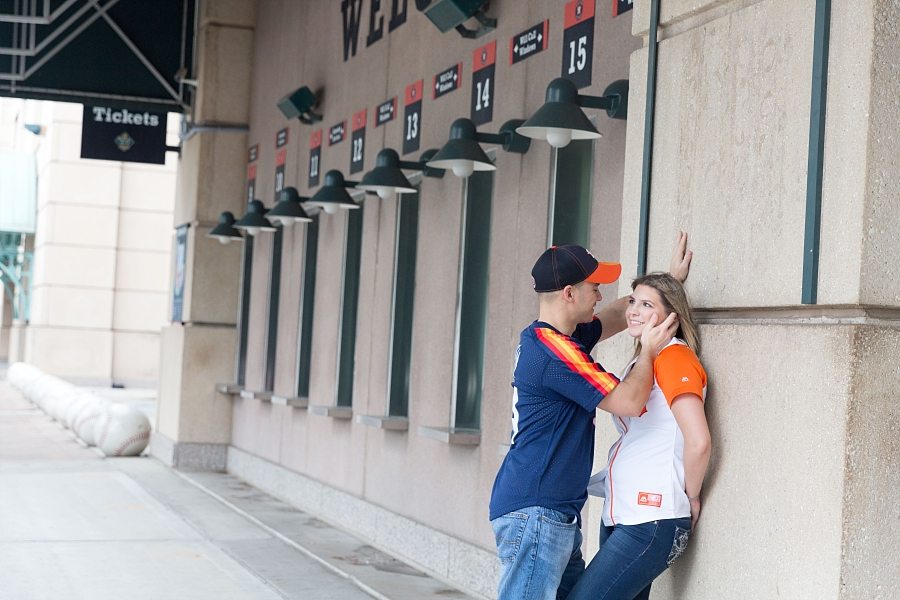 Stacy-Anderson-Photography-Houston-Astros-Baseball-engagement-photo_0033.jpg