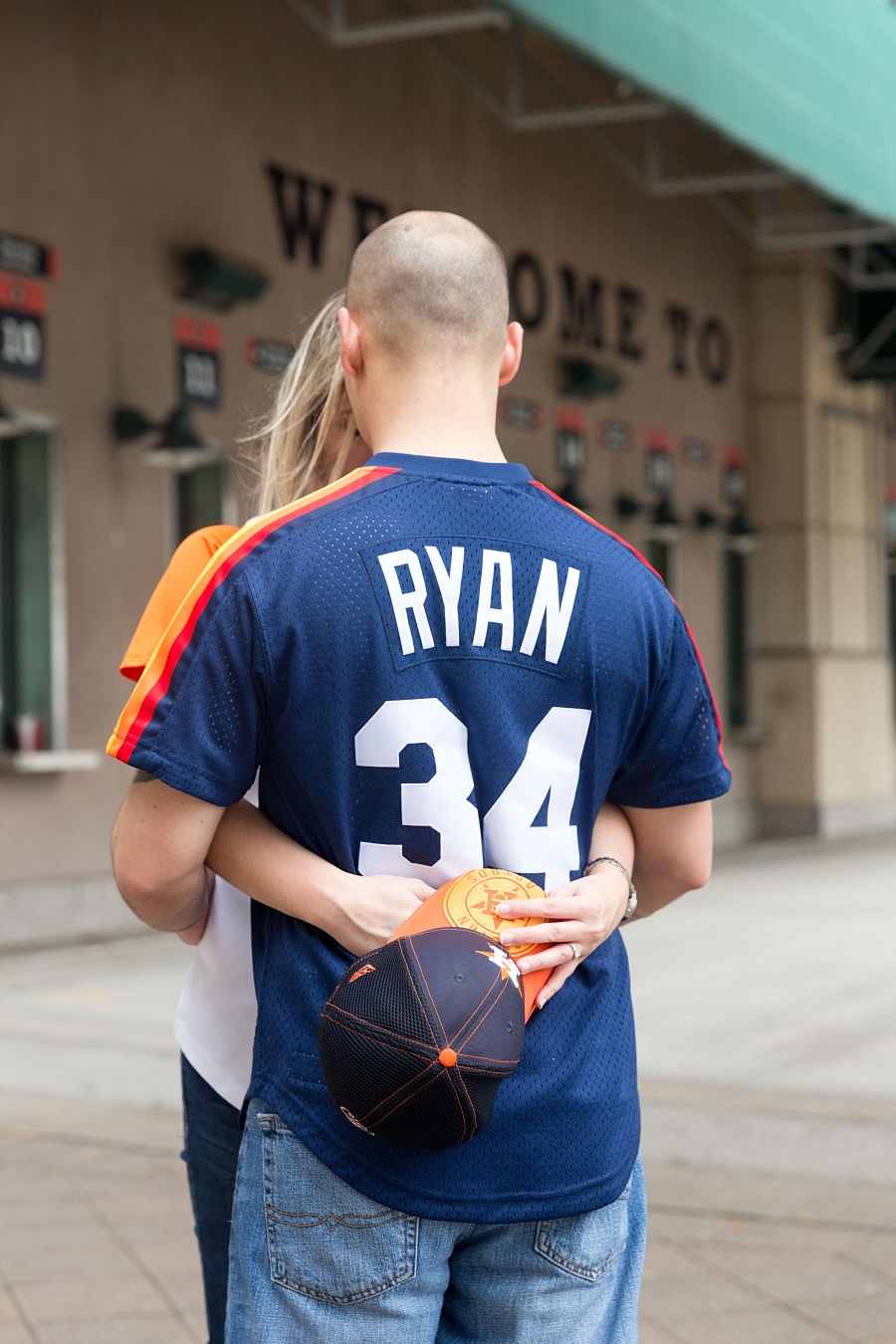Stacy-Anderson-Photography-Houston-Astros-Baseball-engagement-photo_0037.jpg