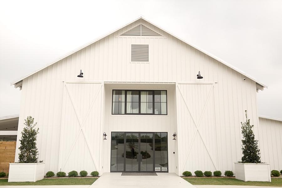 Stacy-Anderson-Photography-The-Farmhouse-Houston-Wedding-Photographer_0001.jpg
