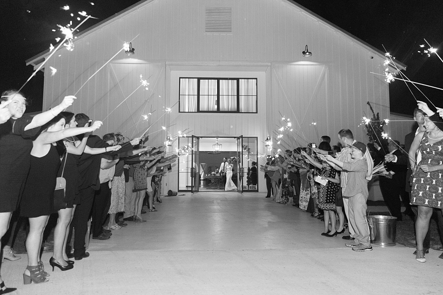 Stacy-Anderson-Photography-The-Farmhouse-Houston-Wedding-Photographer_0154.jpg