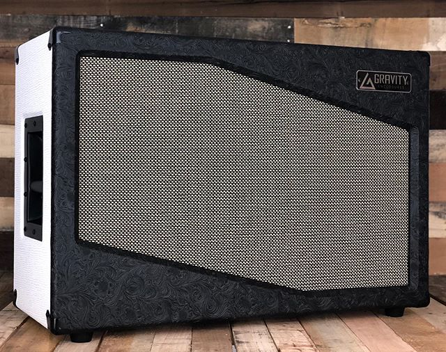 Classy Custom Shop 2x12 for our buddy @anthonybestmusic  Dims: 30w x 20h x 12d Tolex: Black Western / Rough White Grill: Salt and Pepper Speakers: @celestionuk Neo Creambacks  #gravityenclosures #speakercab #speakercabinet #smallbusiness #pennsylvania #getloud #sound #madeinusa #geartalk #knowyourtone #guitar #guitargear #woodworking