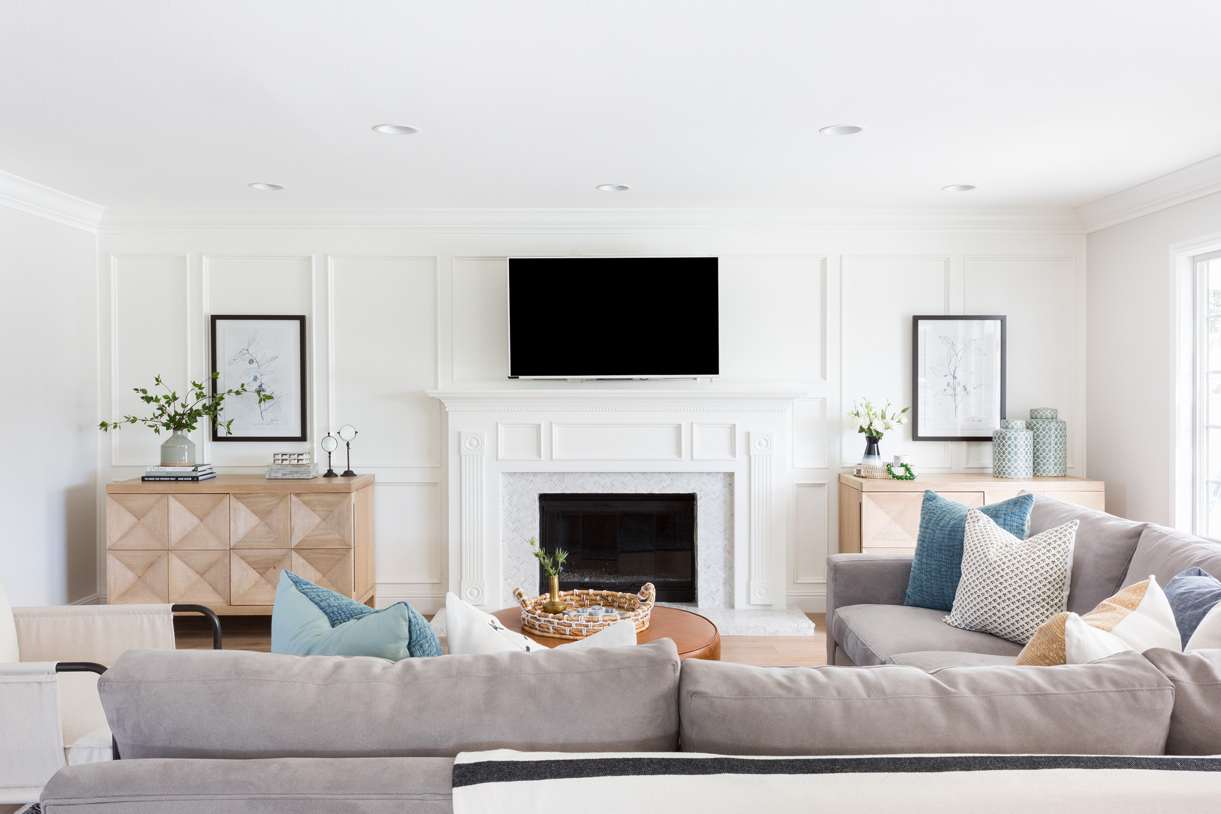 Casual traditional family room designed by Lindsey Brooke Design in Los Angeles.jpg