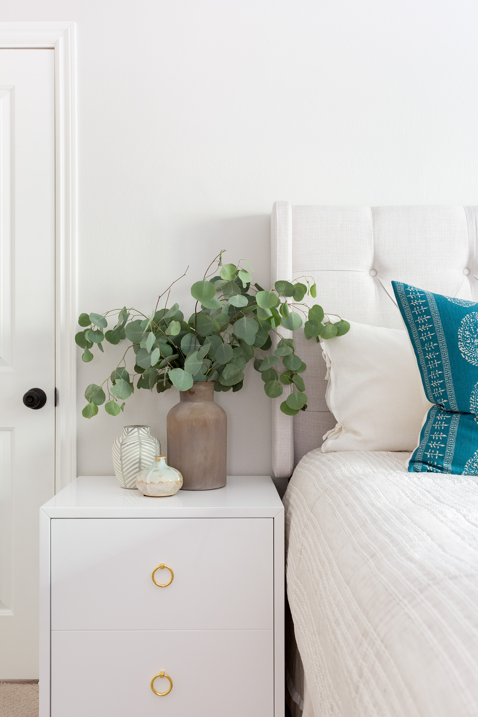 Beachy Guest Room Design by Los Angeles based Interior Designer Lindsey Brooke Design.jpg