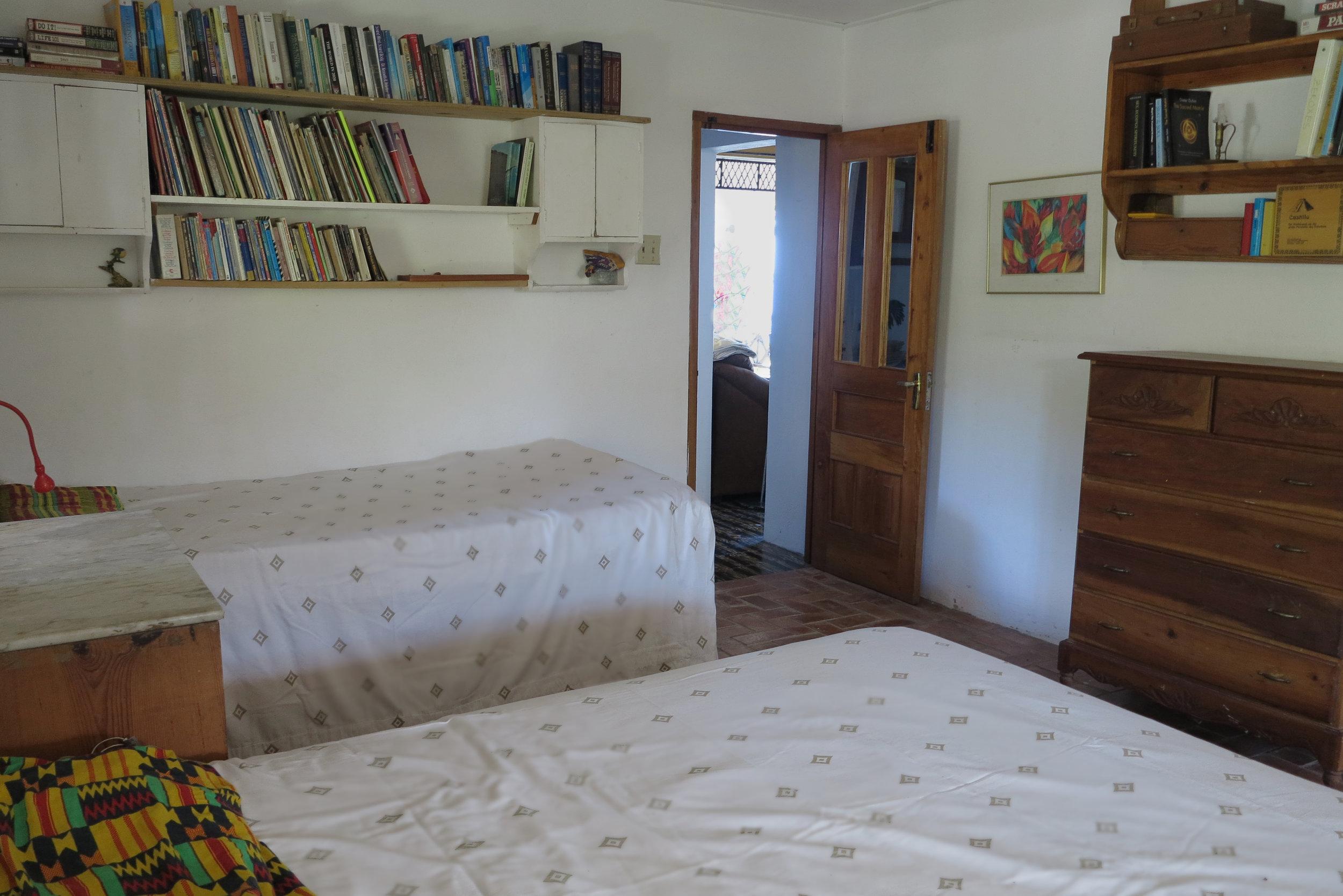 Bedroom_Bookshelves.jpg