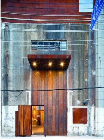 THE WATERHOUSE 14.jpg