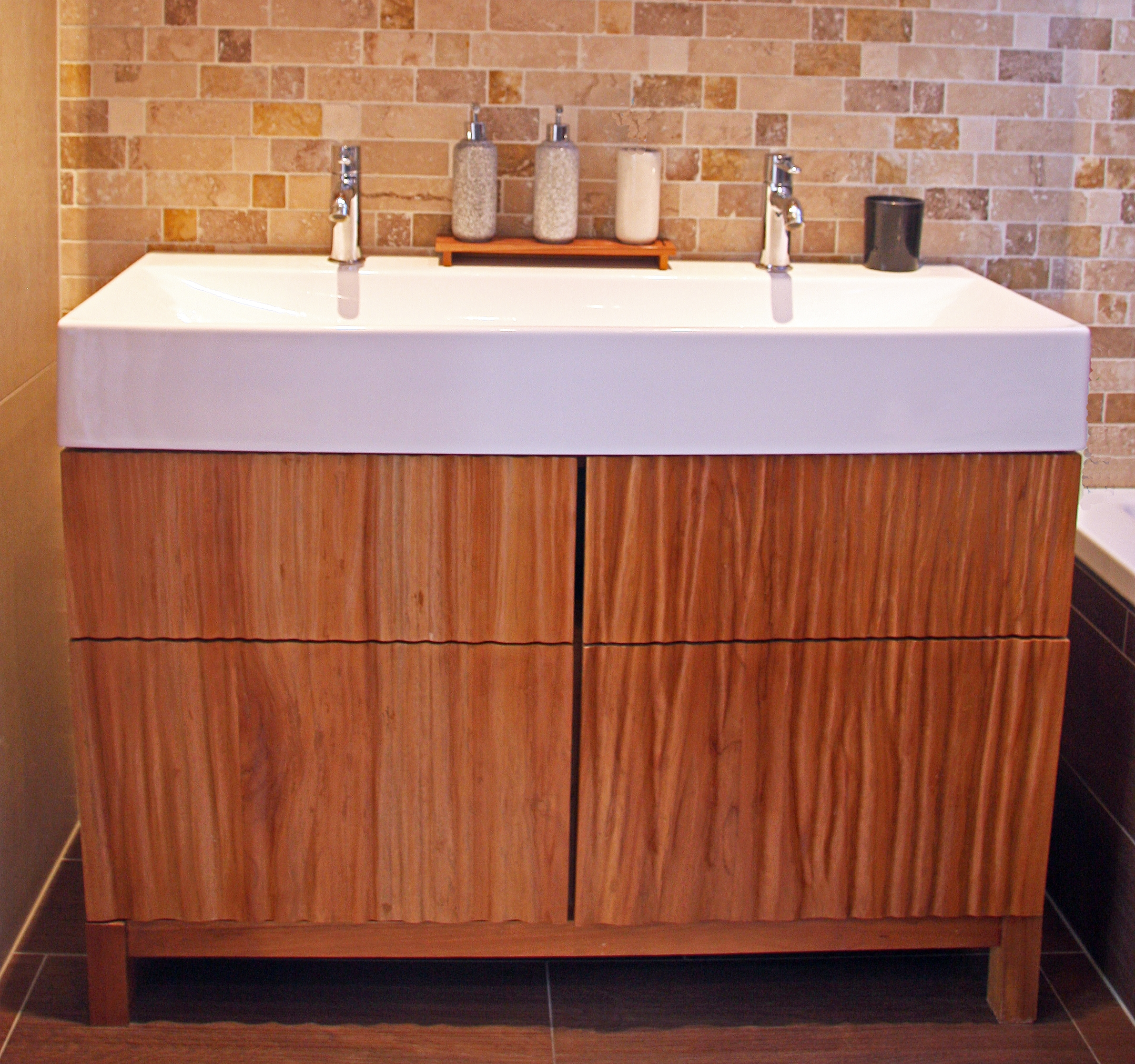 Bathroom furniture teak.jpg