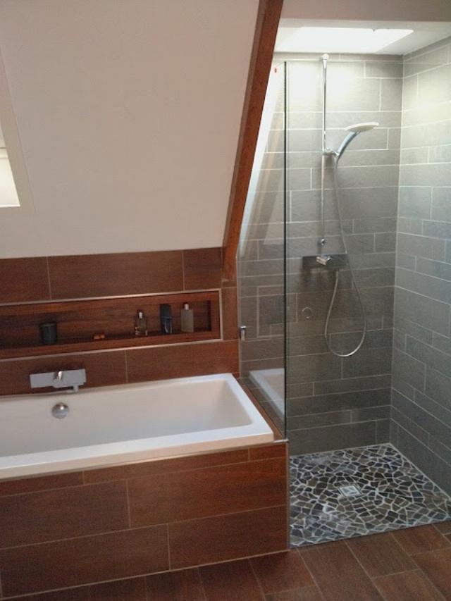 Bathroom photos, Bathtub and shower.jpg