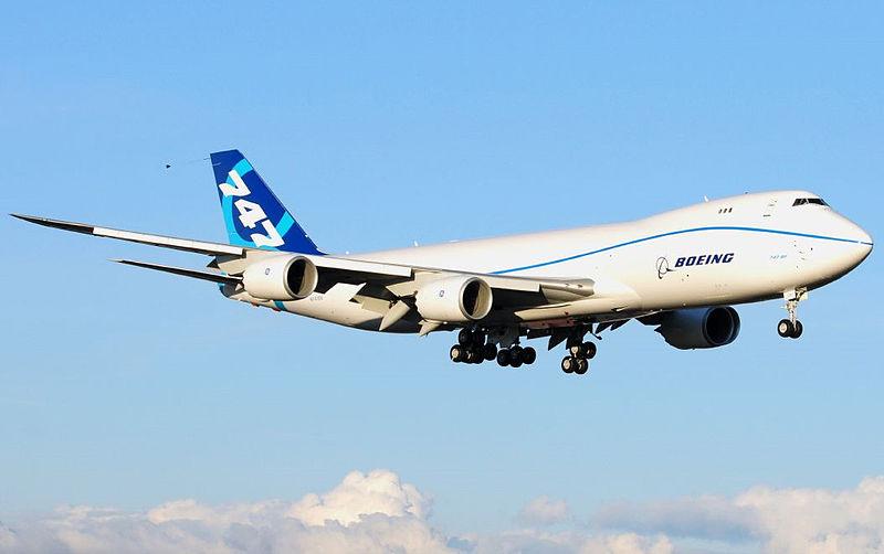800px-Boeing_747-8_N747EX_First_Flight.jpg