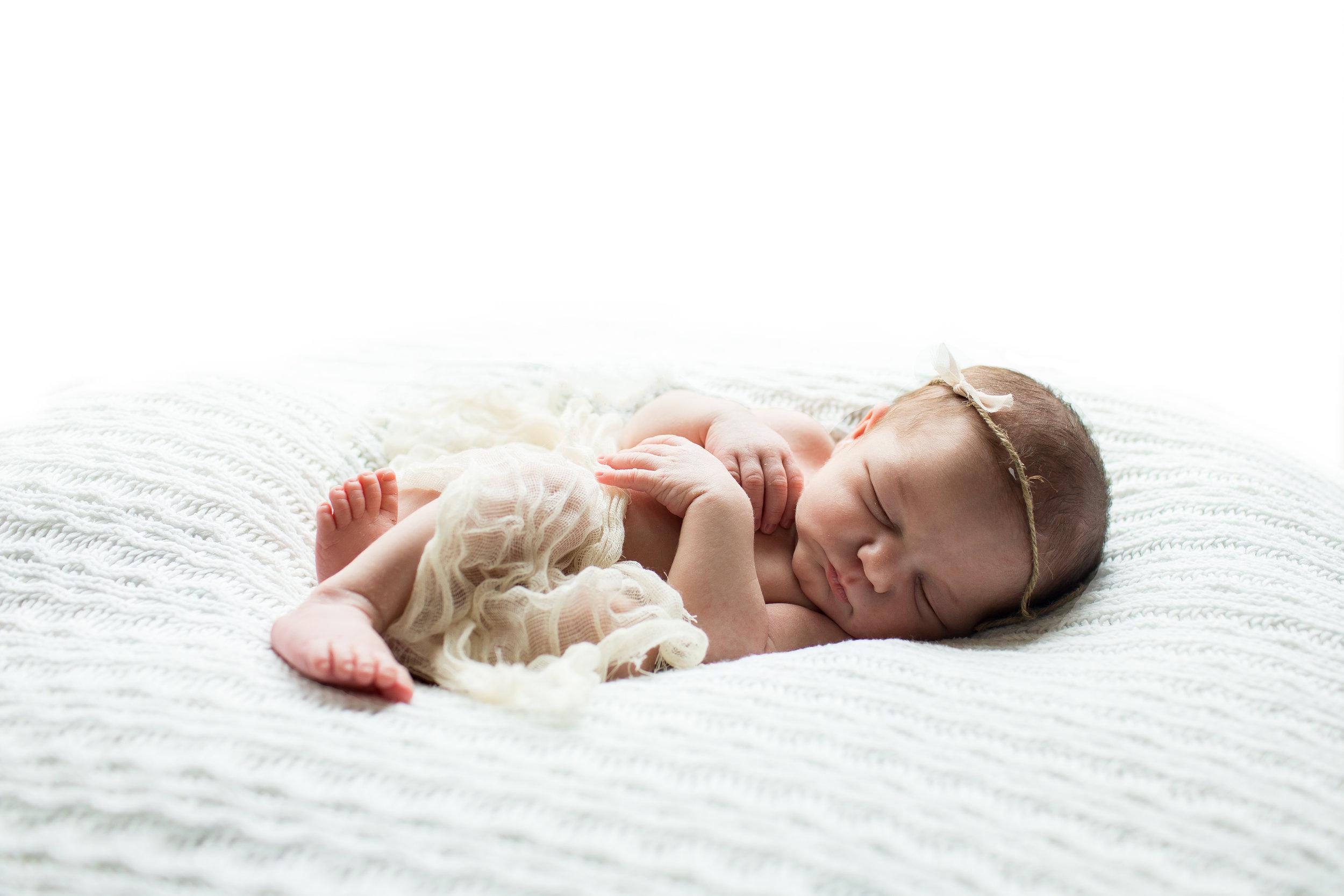 Ellicott City Newborn Photographer 5.jpg